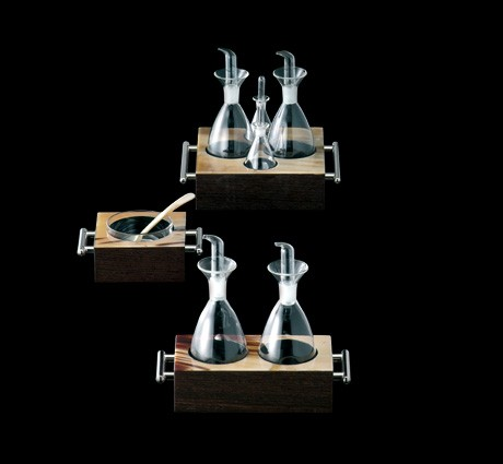 Cruet Set and Salt and Pepper shakers in horn and wengè wood with chromed brass handles