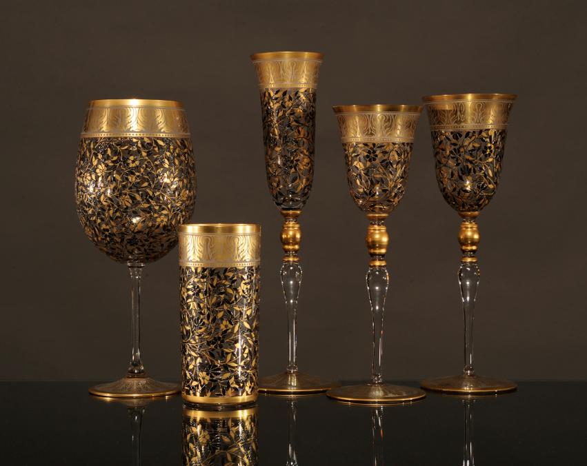 Jardin De Paul, Large Wine Glass with Gold Leaf