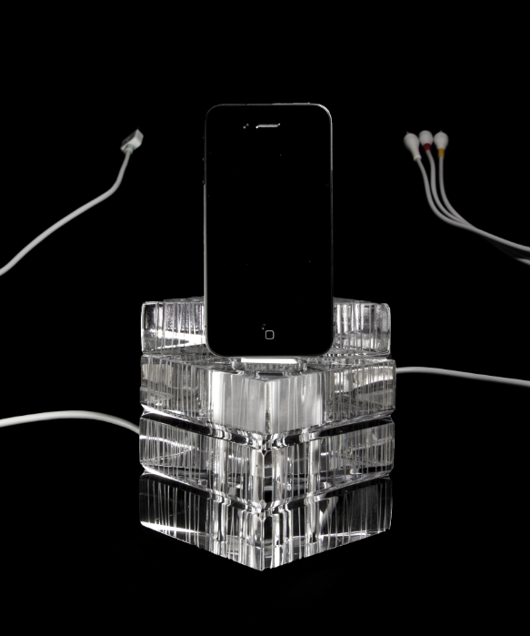 Iphone crystal dock