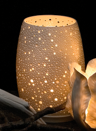 Porcelain tea light with Coral look