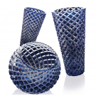 Illusion, Vase